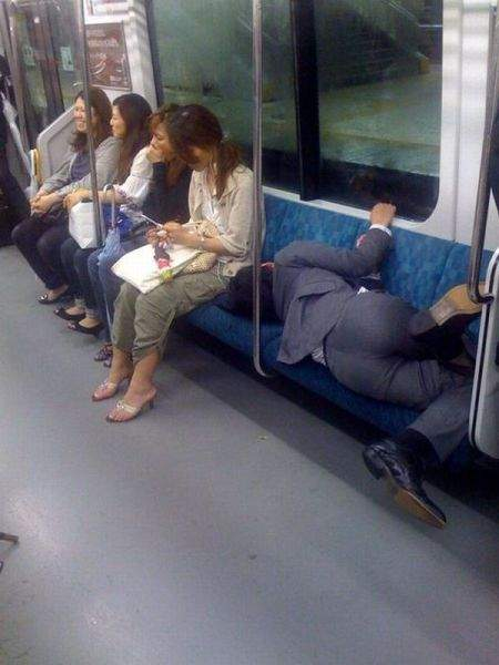 How to sleep on subway !